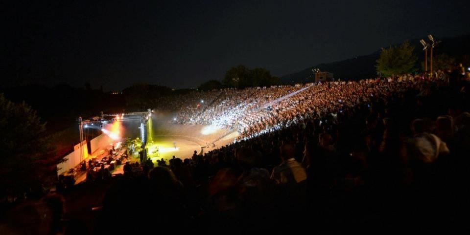 Φεστιβάλ Ολύμπου – Στο αρχαίο Θέατρο Δίου ο Βασίλης Παπακωνσταντίνου