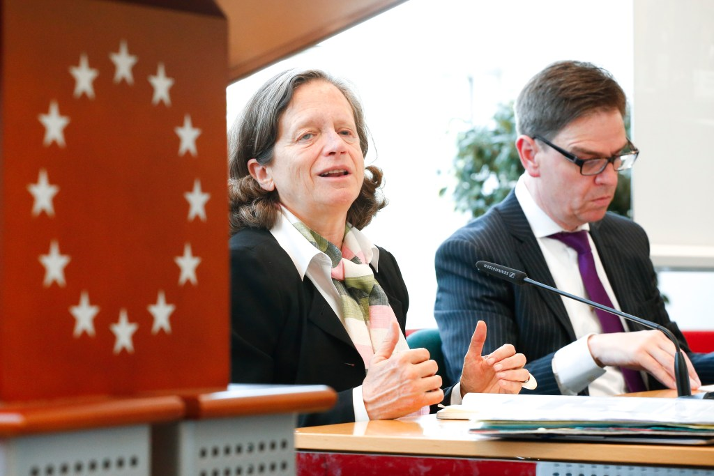 EPRS-EUI roundtable discusses euro governance reforms
