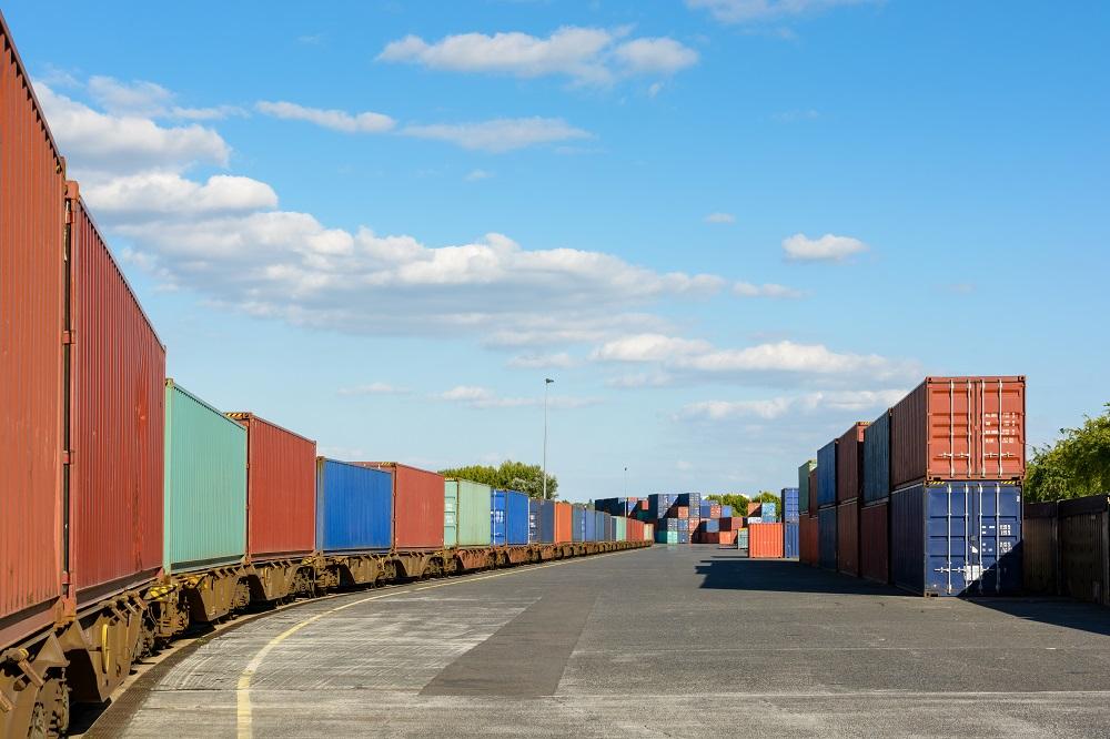 Combined transport directive review: Getting more goods off EU roads [EU Legislation in Progress]