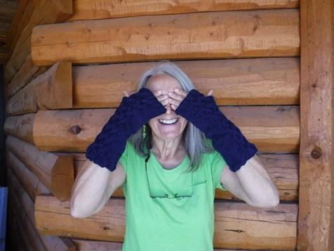 Barbaras-texting-gloves