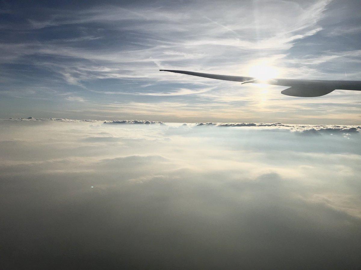 イコラブ 諸橋沙夏『どんなに遠くにいても みんな同じ空の下にいるんだな。とか深いことを言ってみた🙂』