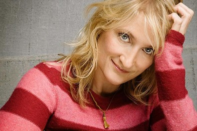 Interview: Songstress Jill Sobule Made History Kissing A Girl & Fabio In 1995