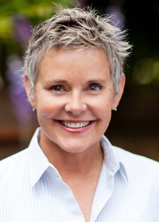 "Amanda Bearse Talks Seattle Film Institute and ""Skirtchasers"""
