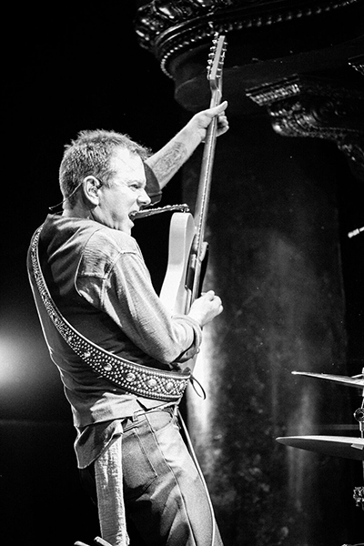 Kiefer Sutherland Music Photo by Beth Elliott on Equality365.com
