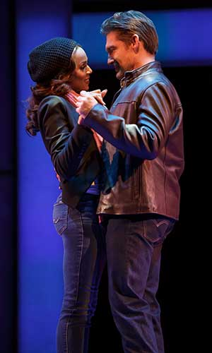 Deborah Cox as Rachel Marron and Judson Mills as Frank Farmer in The Bodyguard