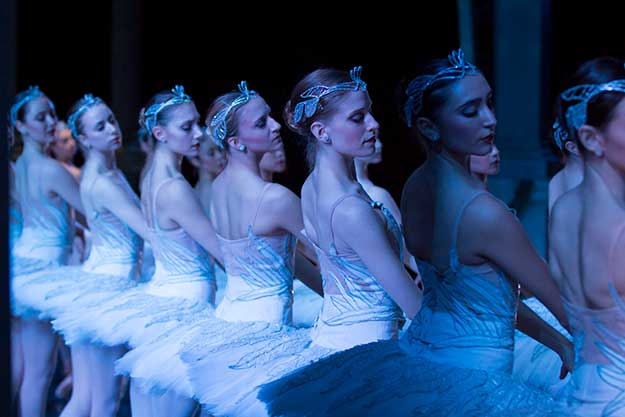 Swan Lake by Pacific Northwest Ballet preview on equality365.com