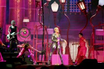 pink beautiful trauma tour review 8 on equality365.com