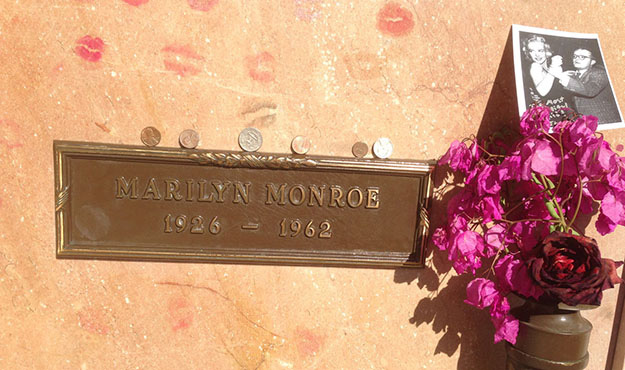 Final resting place of Marilyn Monroe (photo by Eric Andrews-Katz)