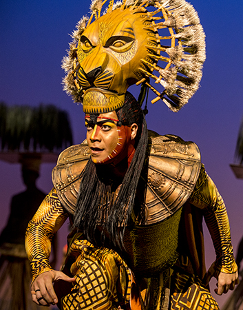 "S5_-_Gerald_Ramsey_as_""Mufasa""_in_THE_LION_KING_North_American_Tour._©Disney._Photo_by_Matthew_Murphy._-1-1.jpg"