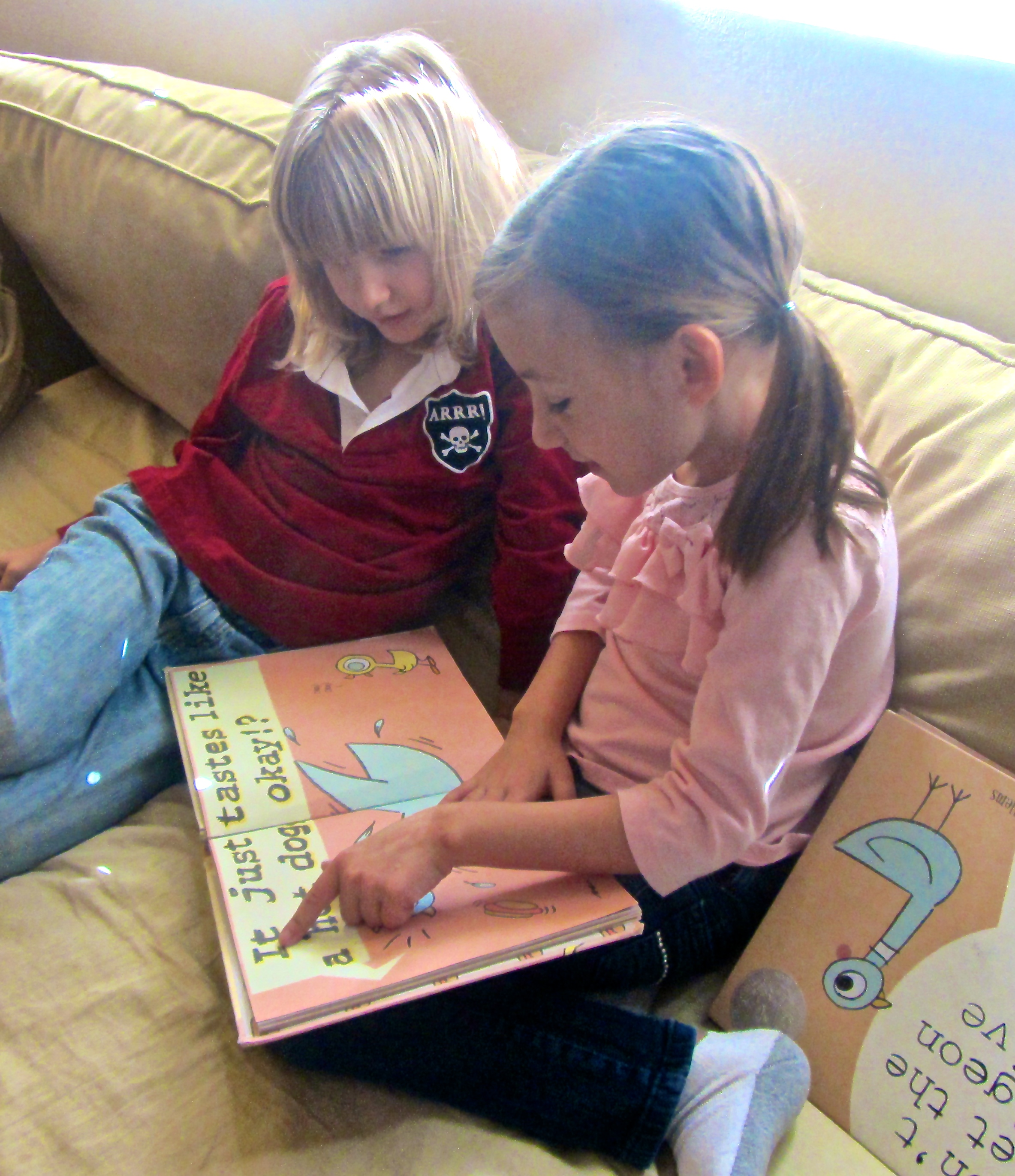 Reading some Mo Willems
