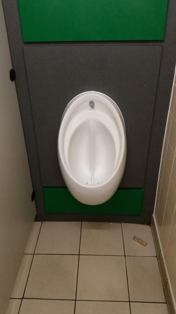 wpid 20151016 103653 e1452014903369 576x1024 - Sore Throat - #sorethroat #halls #toilet