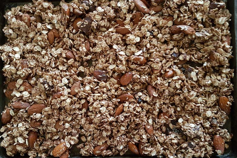 Spicy and nutty granola