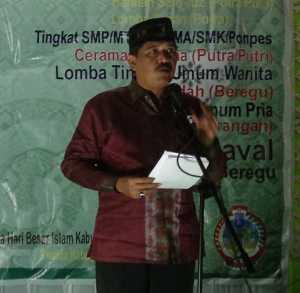 Wakil Bupati Kayong Utara, Idrus membacakan sambutan Bupati Kayong Utara,  sekaligus membuka Gema Muharram 1437 Hijriah