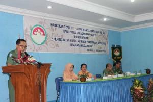 Sekda Sekadau, Drs Yohanes Jhon MM menyampaikan arahan dalam acara peringatan HUT DWP Sekadau ke-16