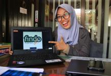Rahimah menunjukkan aplikasi Findo