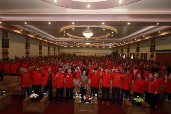 Karolin Kukuhkan Tim Pemenangan di Kabupaten Ketapang