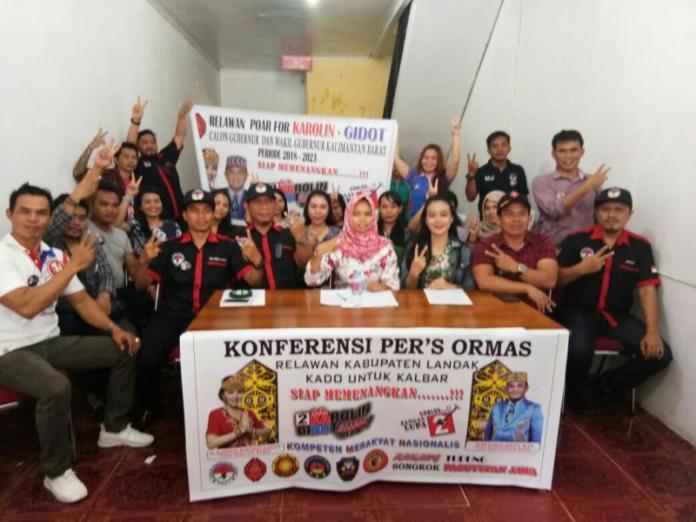 sejumlah organisasi yang bergabung relawan Kado menyatakan dukungan kepada pasangan Karolin-Gidot* Foto Antonius