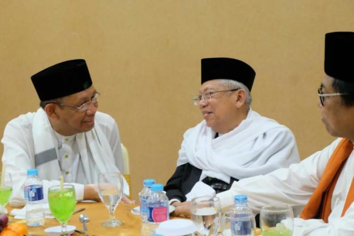 Calon Gubernur Kalbar nomor urut tiga Sutarmidji bersama KH. Ma'aruf Amin dan Oesman Sapta Oedang (Kang Enchus for Equator).