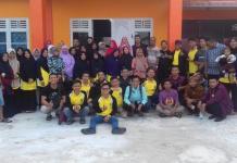Diabadikan. Panitia dan kafilah Kayong Utara diabadikan usai kegiatan MTQ di Kabupaten Mempawah, beberapa waktu lalu. Humas for Rakyat Kalbar