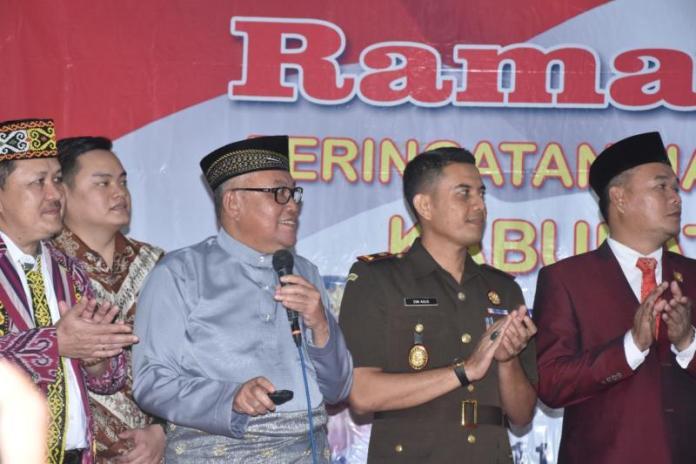 Launching Smart City. Bupati Kubu Raya, H Rusman Ali dan Wabup Hermanus disaksikan kejaksaan dan DPRD Kubu Raya melaunching smart city di Aula Kantor Bupati Kubu Raya, Selasa (17/7). Humas for Rakyat Kalbar
