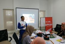 SOSIALISASI. Astra Motor Pontianak sosialisasi kampanye #cari_aman di BTPN Syariah Kalbar, Jumat (3/8). Astra Motor for RK