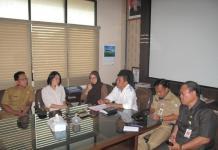 KONFERENSI PERS. KOMDA KIPI bersama Dinas Kesehatan Kalbar dan Kota Pontianak saat melakukan konferensi pers di ruangan Sekretaris Dinkes Kalbar, Senin (13/8). Maulidi Murni-RK