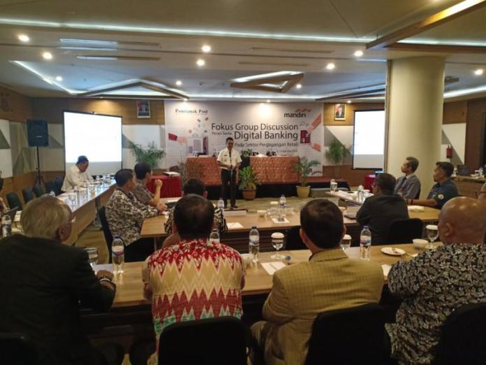FGD. Suasana Focus Group Discussion bertajuk 'Peran Serta Digital Banking Pada Sektor Perdagangan Retail' yang digelar di Hotel Golden Tulip, Pontianak, Rabu (15/8). Rizka Nanda-RK
