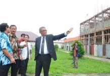 KUNKER. Oscar Primadi, Bambang Wibowo dan Sutarmdiji melakukan kunjungan kerja di RSUD Soedarso, Jumat (5/10). Humas Pemprov for RK
