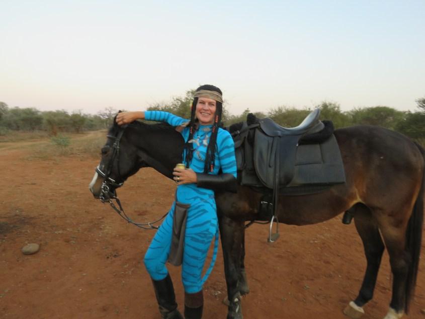 Claudia's Neytiri-costume does not impress her well trained safari horse
