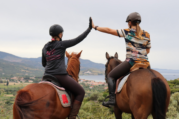 Save up to 135 EUR on your horse riding holiday to Greece