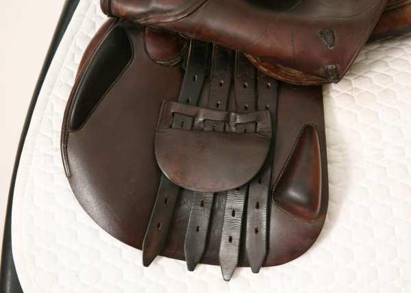 Left Flap on Amerigo CC Jump Saddle 17.5M 864061