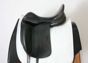 Left Side of Used Amerigo Cortina Saddle 17.5M 3094097