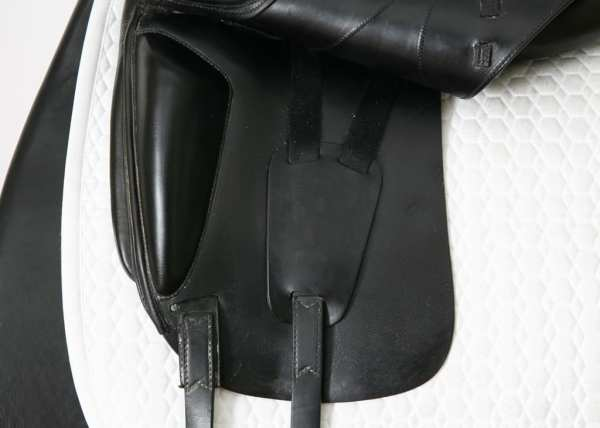 Left Flap on Used Amerigo Cortina Saddle 17.5M 3094097