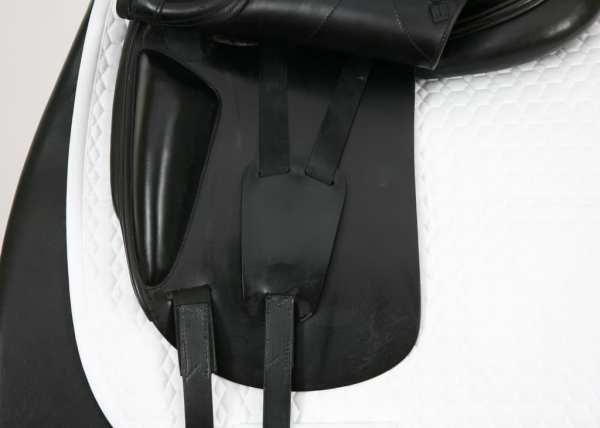 Left Flap on Amerigo Alto 17.5M Saddle 1450049