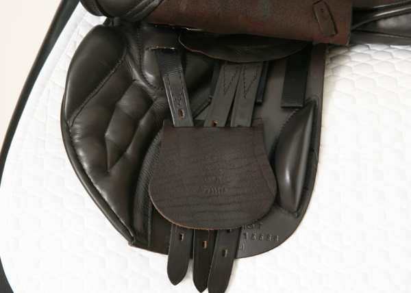 Left Flap on Black Country Ricochet 18W Jump Saddle SN: 15558