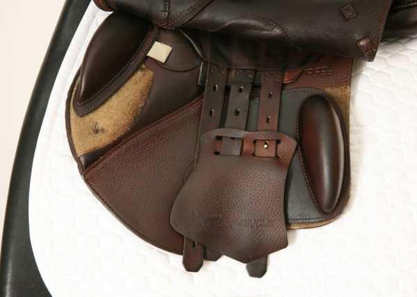 Left Flap on Prestige X-Perience D 17 33 Jump Saddle SN: 01880716