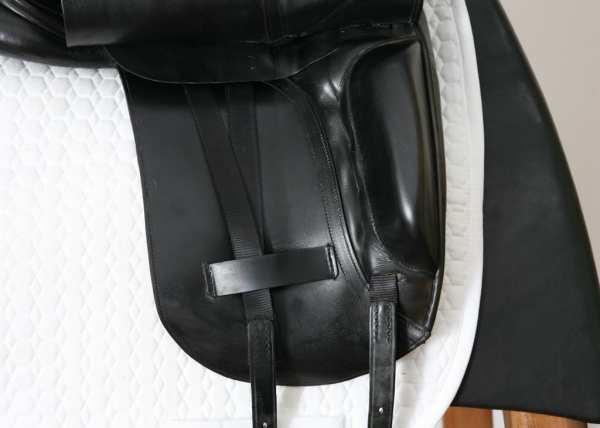 Right Flap on Albion Platinum Dressage Saddle 17W SN: 84322