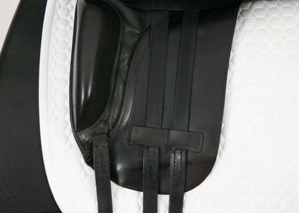 Left Flap on Albion Style Dressage Saddle 18M 20584