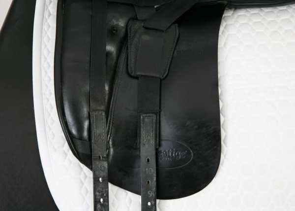 Left Flap on Prestige LC 17 34 Dressage Saddle SN: 0530310
