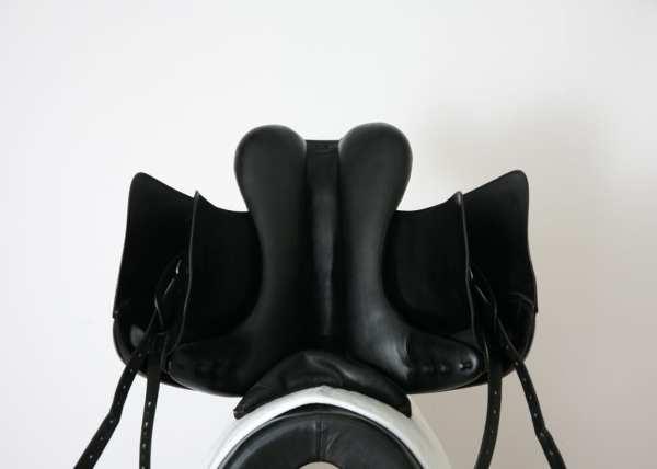 Underside of Amerigo Cortina Dressage Saddle 17.5MW SN: 1644127