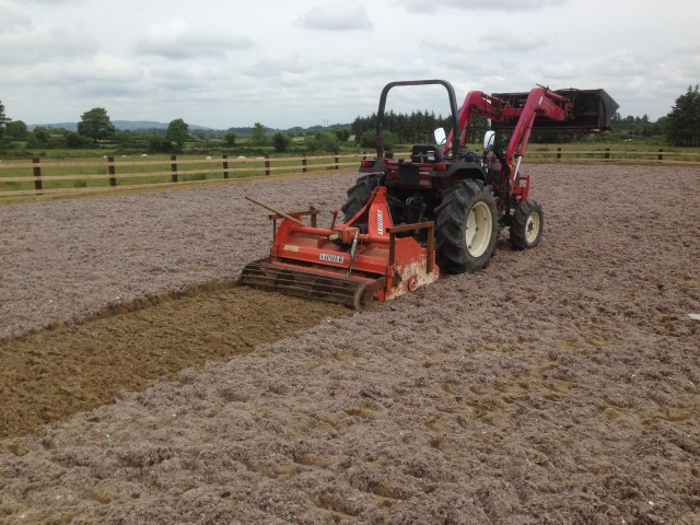 Power harrow installing Fibres