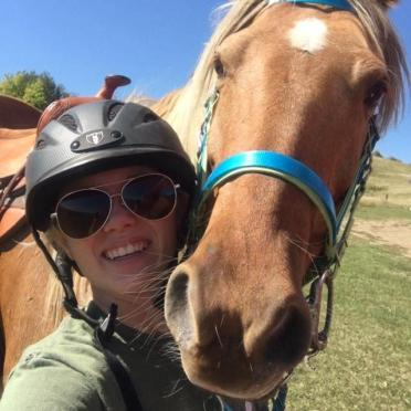 horse and rider on trail after 1 week of applying equiderma wound ointment