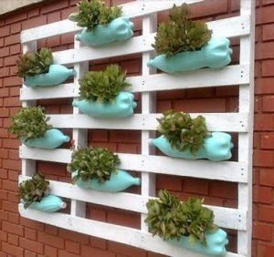 Amenager-sa-terrasse-diy-mur-vegetal-gouttiere