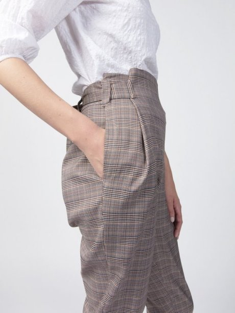 Smudj Finsbury Wrap Trouser Close Up