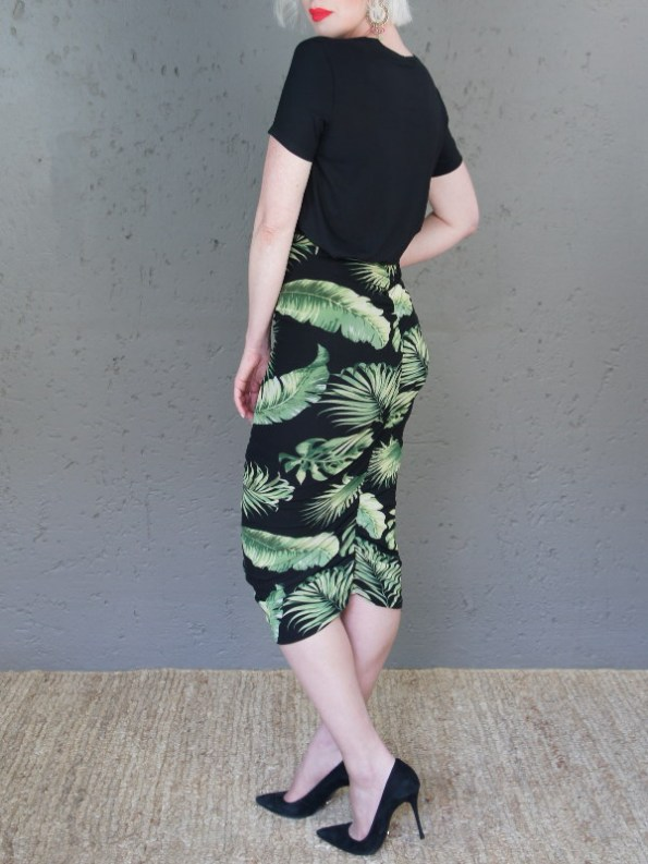 JMVB Nice Tee Black with Lourdes Skirt Back