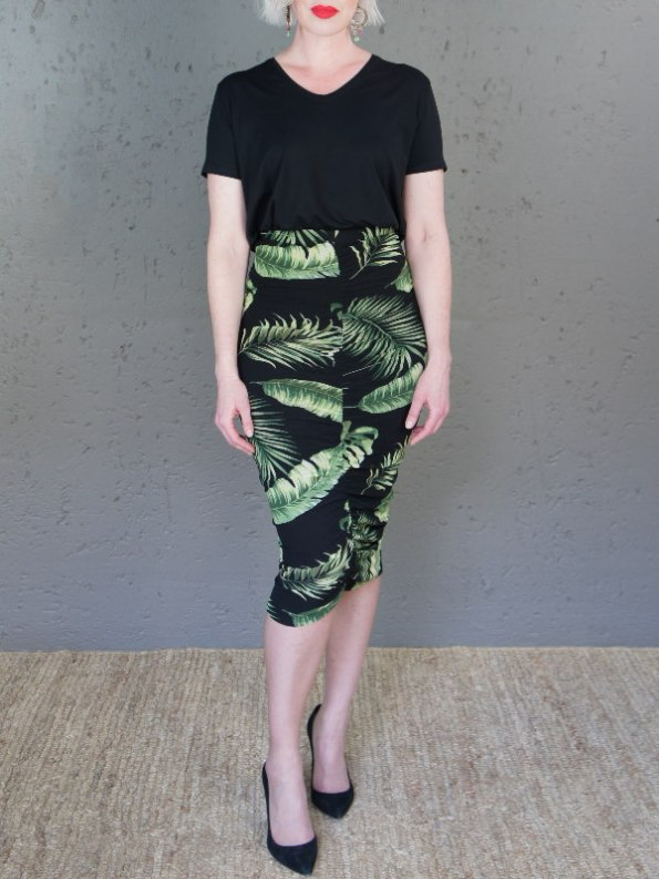 JMVB Nice Tee Black with Lourdes Skirt Front