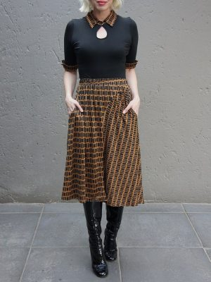 Black and brown top and skirt