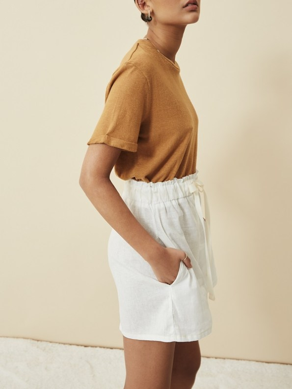 Asha Eleven Salama Hemp Shorts Off-white with Hemp T-shirt Chesa Side