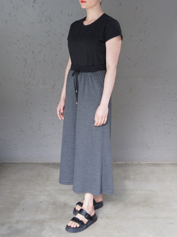 JMVB Jimmy D T-shirt Black With Charcoal Culottes Side