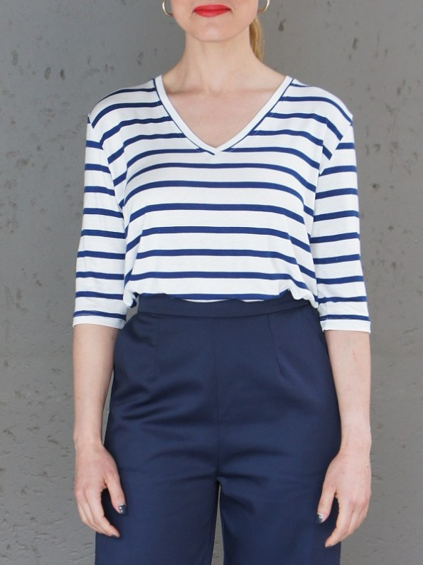 JMVB V-neck Striped T-shirt and Navy Culottes Cropped